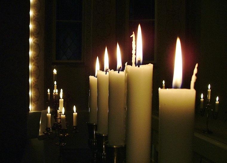 Helmikuu: Joulunkynttilät Kuva: Juhani Koskell, Tervo